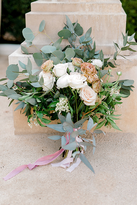 Pasadena-city-hall-styled-shoot-florals-in-light-tones-with-big-white-flowers