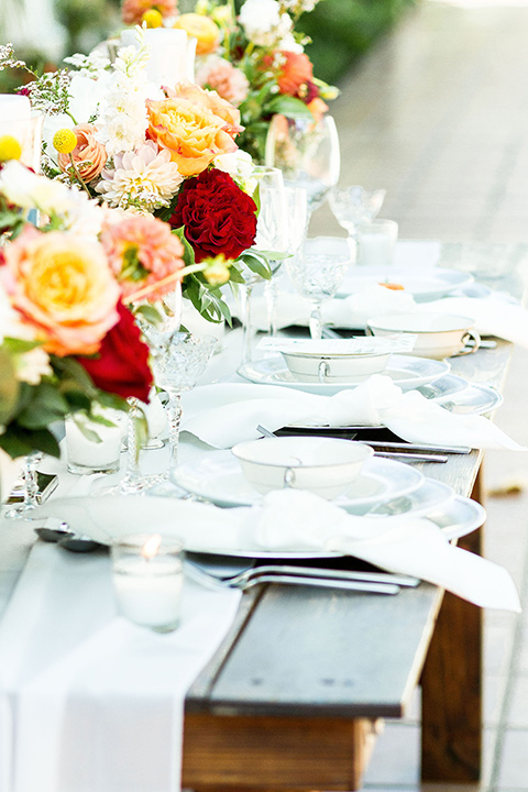 rancho-las-lomas-spring-shoot-table-décor-with-wooden-tables-and-white-crips-linens