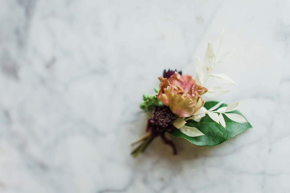 simple orange boutonnière