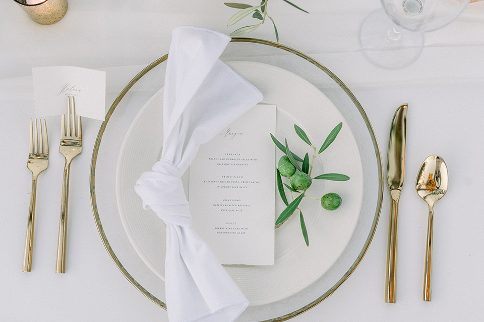 Inn-at-Rancho-Santa-Fe-wedding-plate-and-flatware-in-gold-and-white