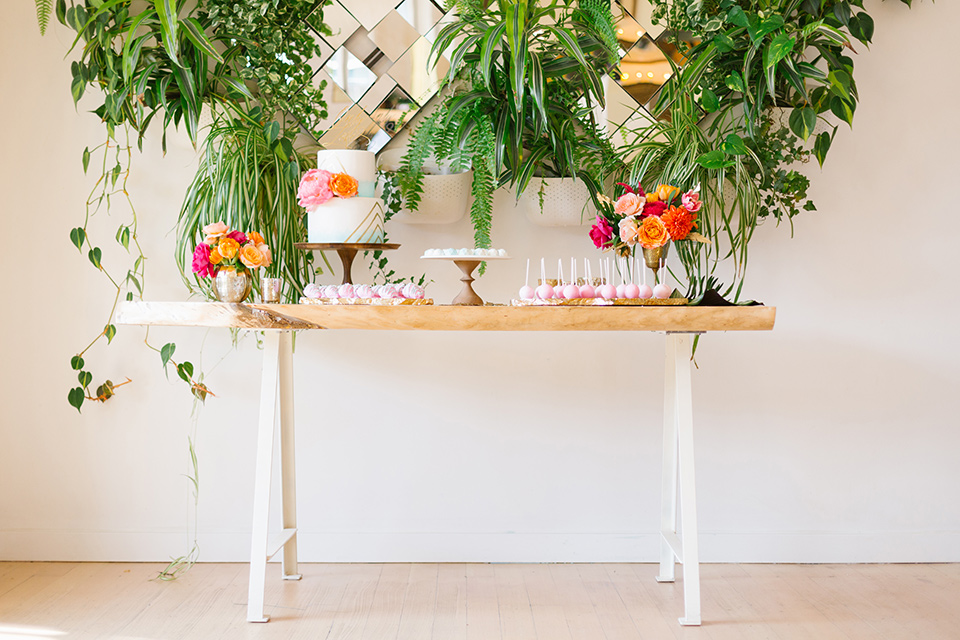 The-Ruby-Street-70s-Inspired-Shoot-dessert-table