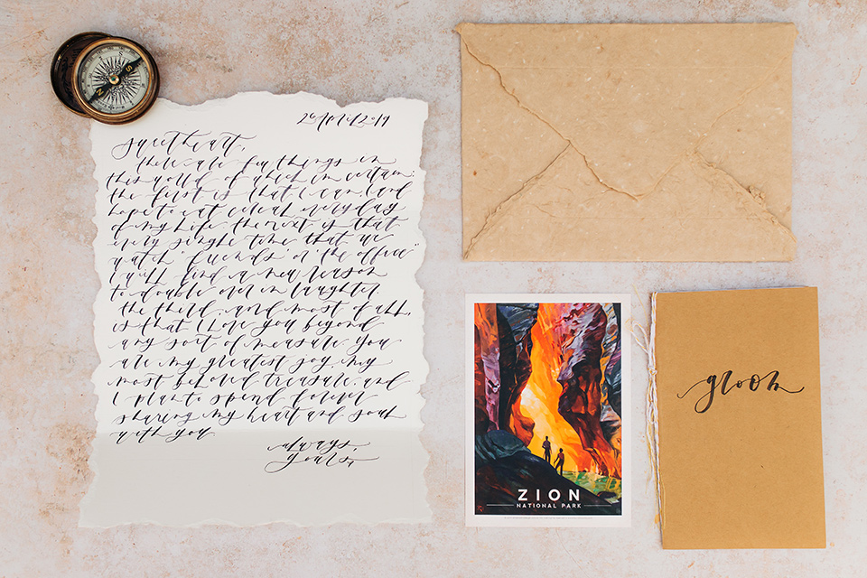 Utah-anow-canyon-shoot-invitations-with-ivory-paper-with-tan-orange-envelopes