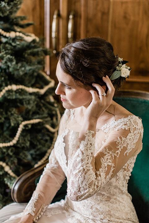 Maxwell-House-bride-sitting