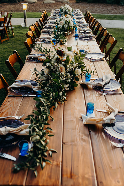 la-jolla-wedding-wooden-table-reception-décor-with-minimalistic-place-settings