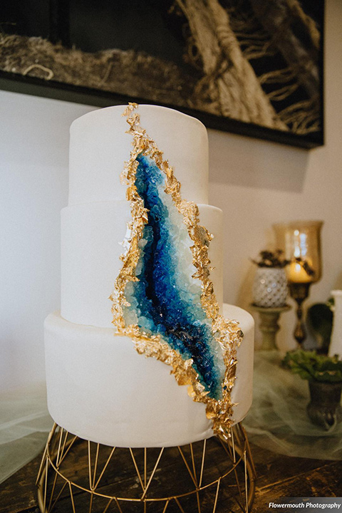 gather-venues-two-tier-cake-with-white-fondant-and-geode-detailing