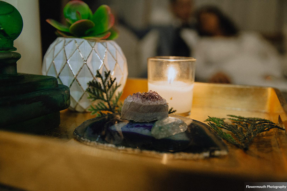 gather-venues-décor-candles-and-geode-décor-on-the-tables
