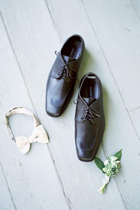 groom black tuxedo accessories