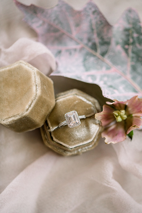 vintage inspired wedding ring with a gold velvet box