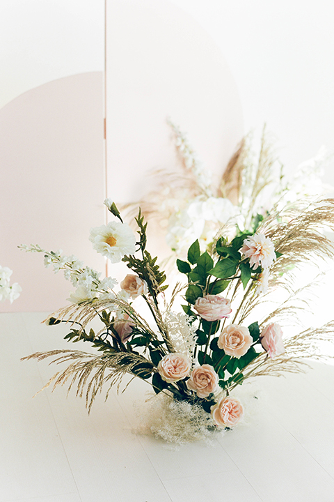ceremony florals with pampas grass
